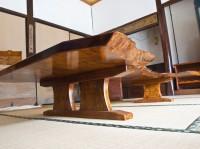 拭き漆栃座卓の脚部画像