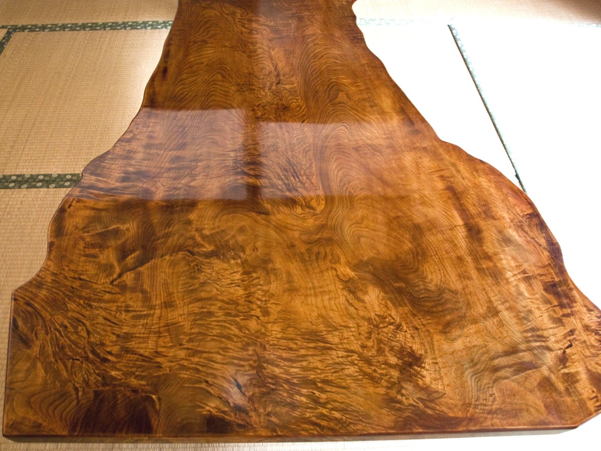 拭き漆栃座卓の甲板画像 その2