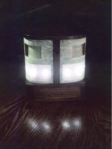 拭き漆欅フットライトの点灯時の全体画像