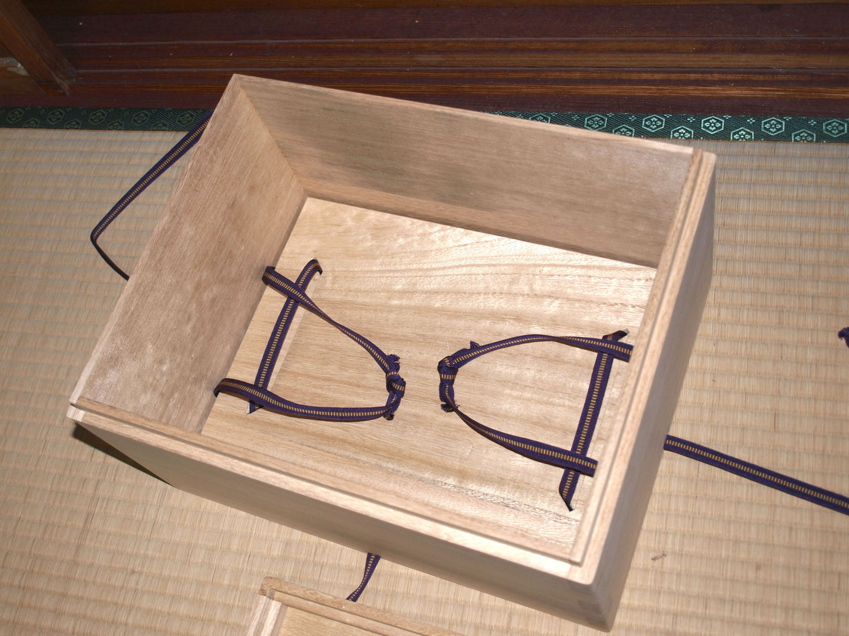 桐古文書箱1の本体内部の画像