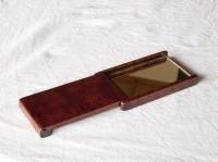 拭き漆楓手鏡の伸長時(手持ち使用時)画像